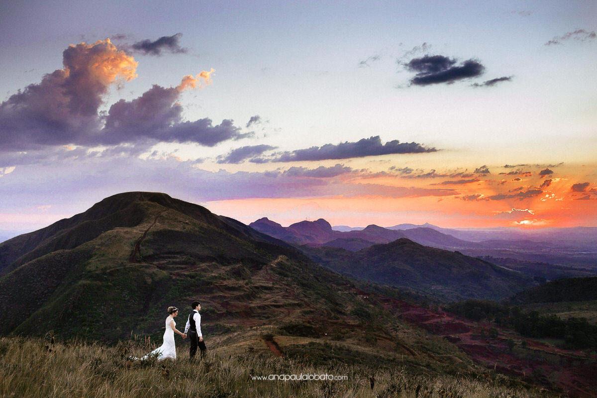 mountain couple shooting