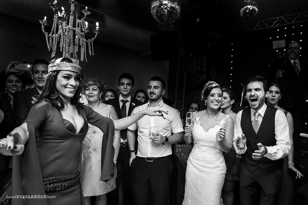 Groom is surprised by arabic dance in his wedding